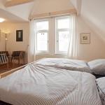 Schlafzimmer 2 im Obergeschoss (Haus Strandgut | Schulzenstr. 39 | 26548 Norderney)
