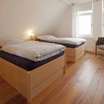 Schlafzimmer 3 im Obergeschoss (Haus Strandgut | Schulzenstr. 39 | 26548 Norderney)